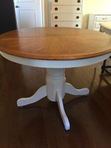 Beautiful Pedestal Table