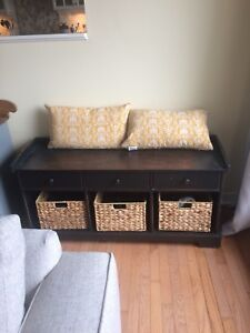 Bench with 3 baskets in black rustic decor