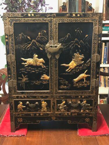 Rare Black Lacquer Chinoiserie Cabinet Chest Gilt Artwork Jade & Stone Fish Lock