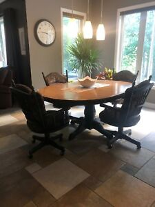 Dining Table Set plus Hutch