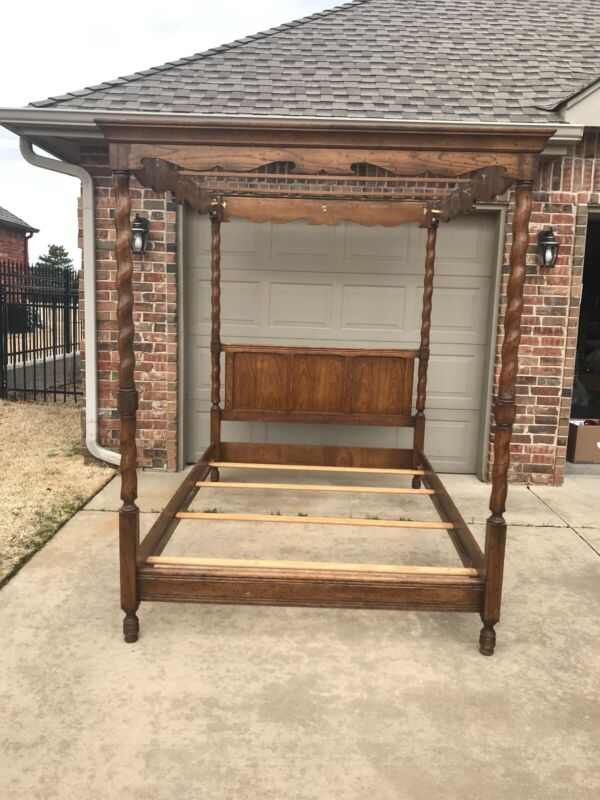 Drexel BishopGate Vintage Solid Wood Queen Canopy Bed Pre-owned