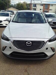 '16 Mazda CX-3-AWD GT + sunroof + white leather+2 sets of tires
