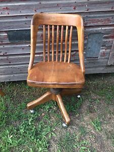 Vintage/Antique Wooden Office Chair