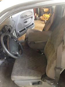 Parting out 99 Dodge  Ram 2500 diesel 200,000km! Nice interior