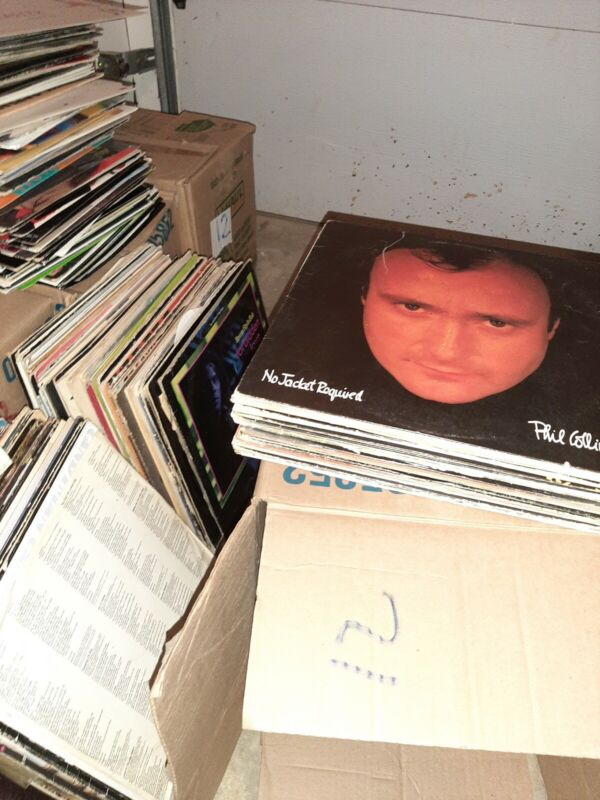 LOT of 20 Vintage Vinyl Records. Plus 1 free.