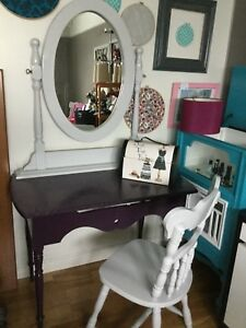 Purple accent table