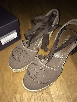 Canvas Lace Up Schuhe (PRADA Lace Up Schuhe Gr 40 Canvas Logo Wedges Espadrilles braun Canapa Delave'lo)
