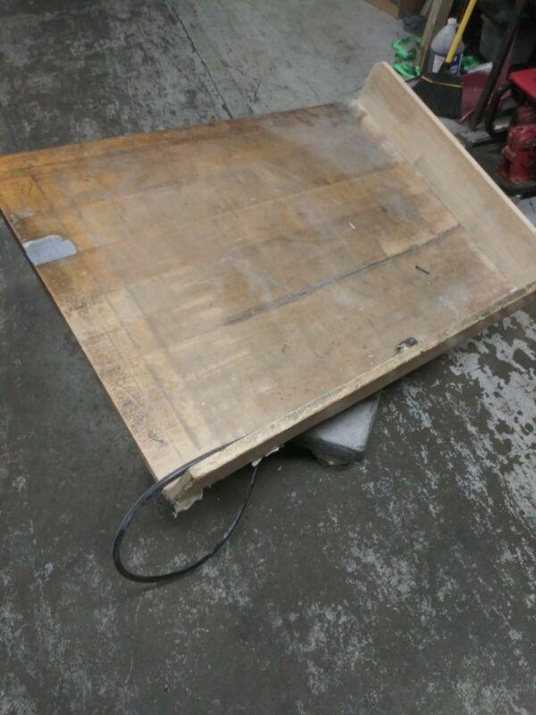 "TPU21 Syntron Paper Jogger 40"" x 28"", Power: 110VAC"