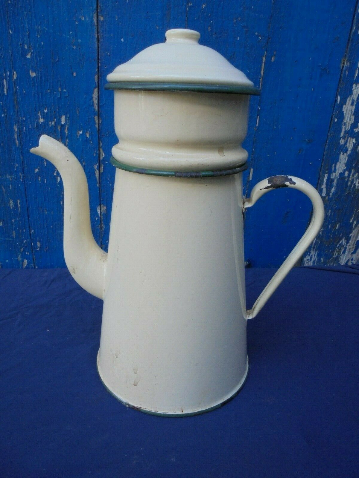 Ancienne cafetiere emaillee