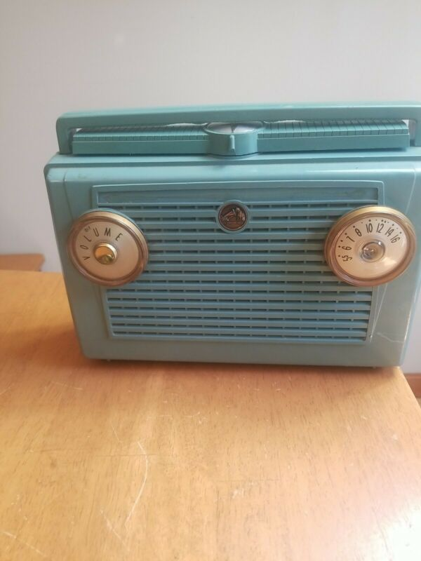 Vintage Green 1956 RCA Victor Model 7-BX-6L Portable AM Tube Radio