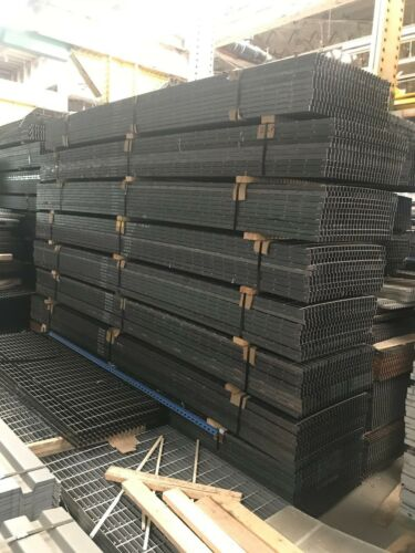 """Used 1"""" Steel Bar Grating 28-1/2"""" x 146"""", mill finish, Chicago"""