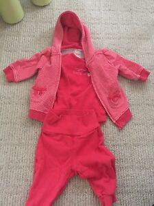 Girls sweatsuit size 3-6 months