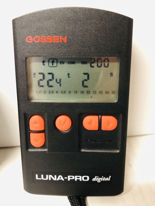 Gossen Luna-Pro Digital Light Meter with Case - For Photography