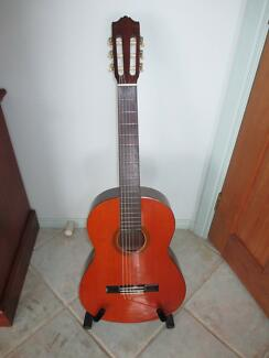 Yamaha CG100-A Classical Guitar Mint Condition