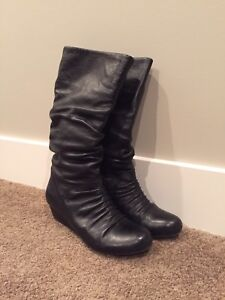 Aldo black leather boots- size 8