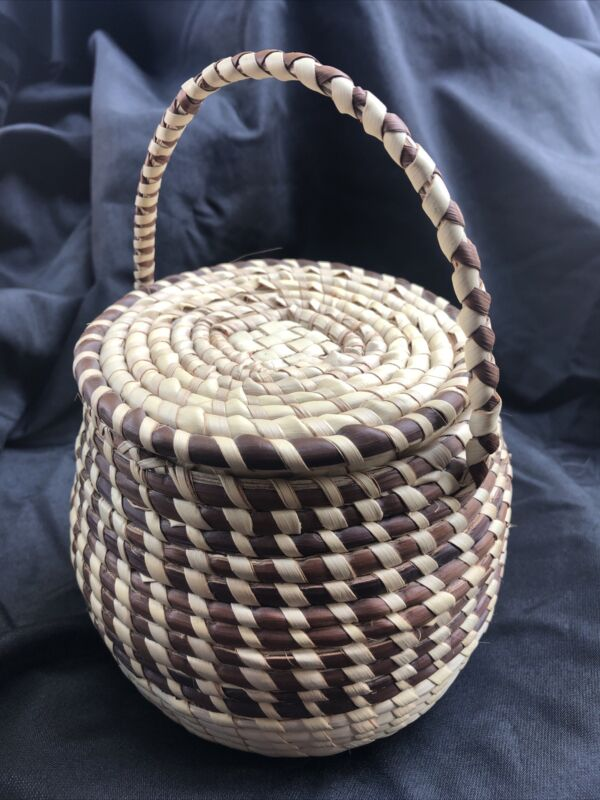 Gullah Sweet Grass Basket With Lid - Gorgeous