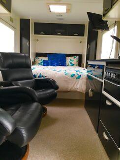 Crusader Muskateer Altos Luxury Recliner 2014 Caravan