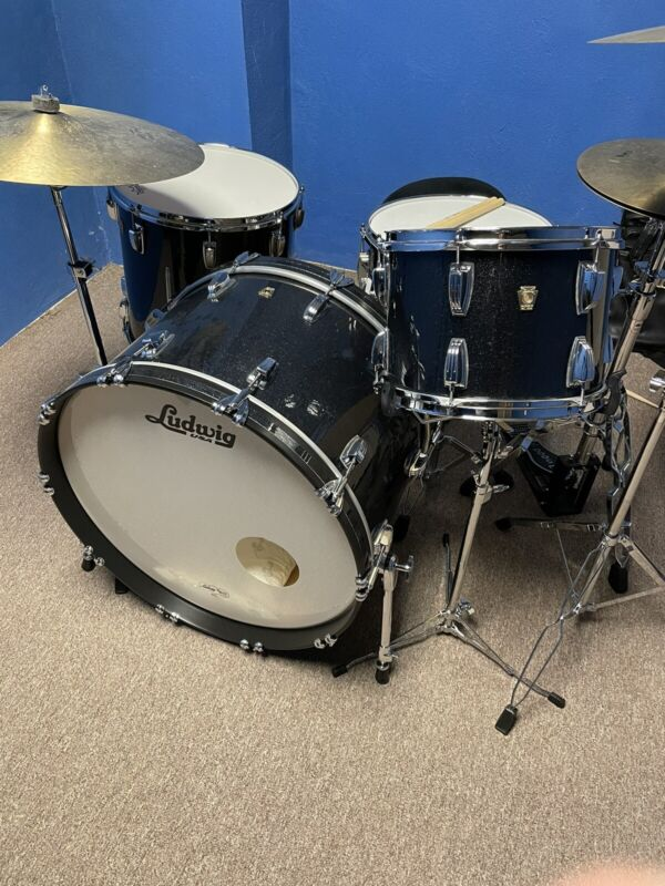 Ludwig Classic Maple 24/13/16 Black Sparkle