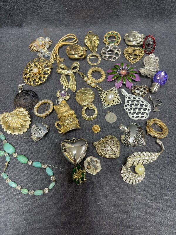 Lot Of 38 Pieces Vintage - Modern Costume Jewelry Brooches Pendants  Etc.