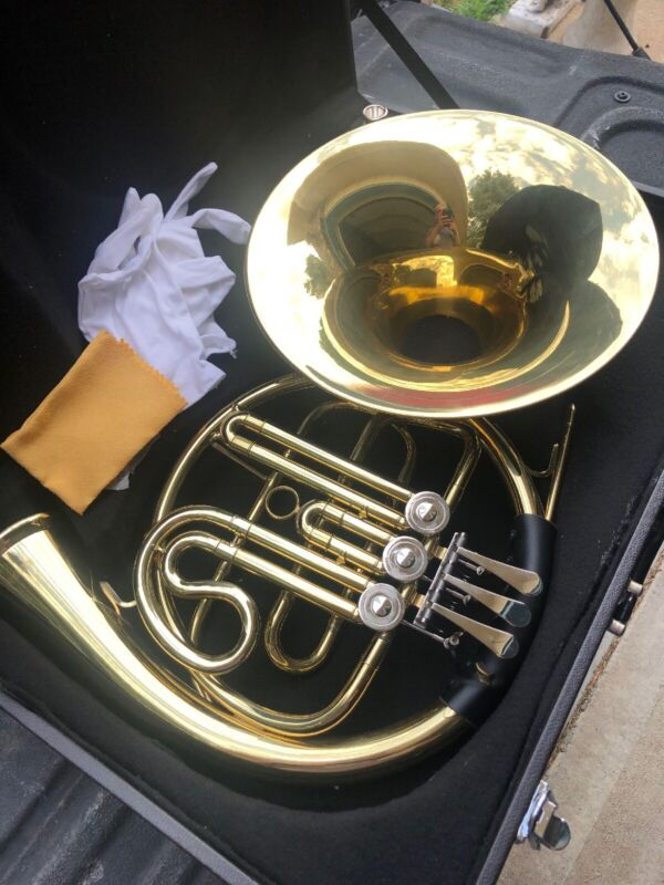 New In Case Gold Plated French Horn New Voouwe