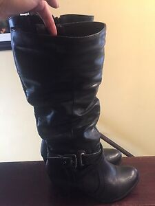 Like new wide calf boots from addition Elle