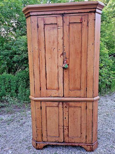 Primitive Country Cupboard Antique double door 4 door corner cabinet 1800
