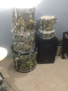 Pearl camo drums
