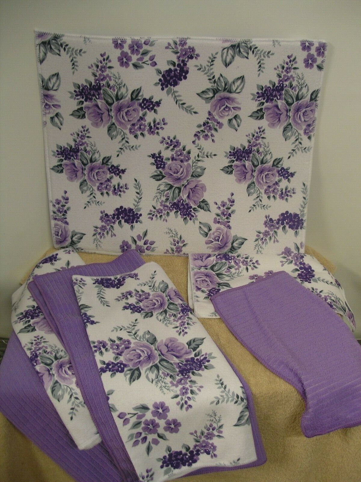 LAVENDER KITCHEN LINEN SET, BRAND NEW, MADE BY SMART HOME, S