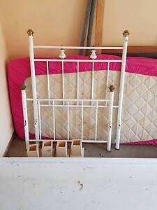 free single bed Brendale Pine Rivers Area Preview