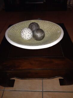 Coffee table and bowl Merrimac Gold Coast City Preview