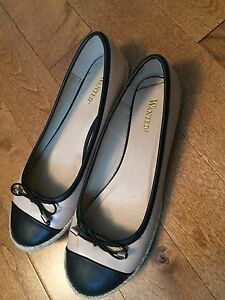 WANTED FLATS SIZE 8