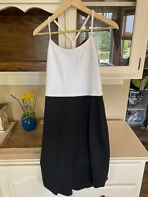 16 Hour Dress Lululemon Size 8 Black/White