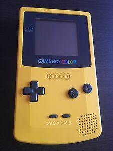 Gameboy Color yellow console jaune game boy GBC nintendo
