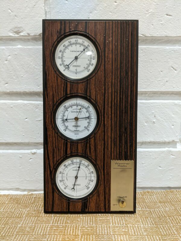 Vintage Springfield Weather Radio w/ Barometer, Humidity & Temp 8345 with Key