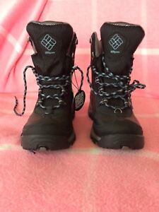 Women's Columbia winter boots, size 6, nwt