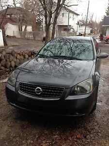 2005 Nissan Altima 2.5SE with Summer/Winter Tires & 2-Set Rims