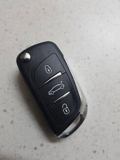 Auto car keys cut  and programmed