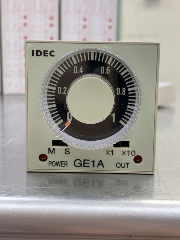 IDEC GE1A-C10MA110 ELECTRONIC TIMER * NEW IN BOX
