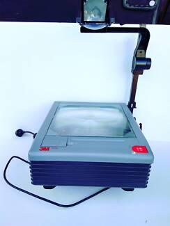 3M 9000 Series Overhead Projector