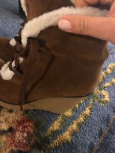 Ladies Suede Boot Size 8.5