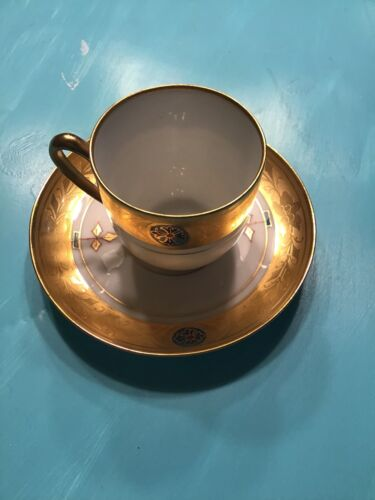 Купить Jul H Brauer - Jul H Brauer Antique Demitasse tea cup and saucer with Heavy Gilt