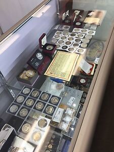 HUGE Selection of Collectable Coins & More!