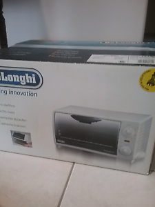 DeLonghi Electric Benchtop Oven Helensvale Gold Coast North Preview