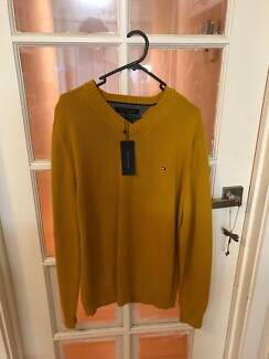 MENS AUTHENTIC TOMMY HILFIGER JUMPER (BNWT RRP $189.00)