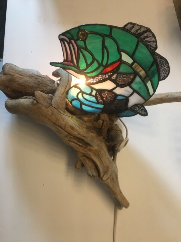 Stained Glass Lamp/ Nightlight Driftwood Outdoors Bass Fishing