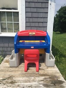 Little tikes desk and chair