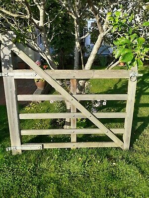 Curved Heel Wooden  Ranch Gate Tanalised Green Treated 5 Bar