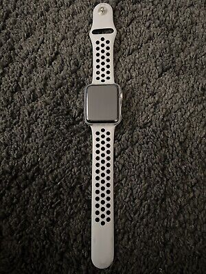 Apple Watch Series 3 Nike 42mm Silver Case withplatinum Sport Band