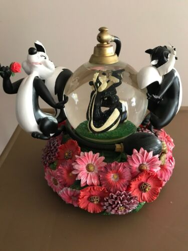 PEPE LE PEW  Perfume Promenade Perfume Water Snowglobe Limited Edition With Box