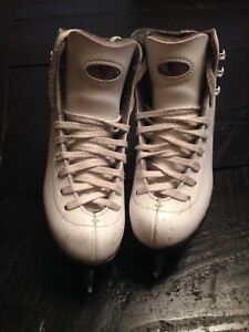 Riedell figure skate kid size 11